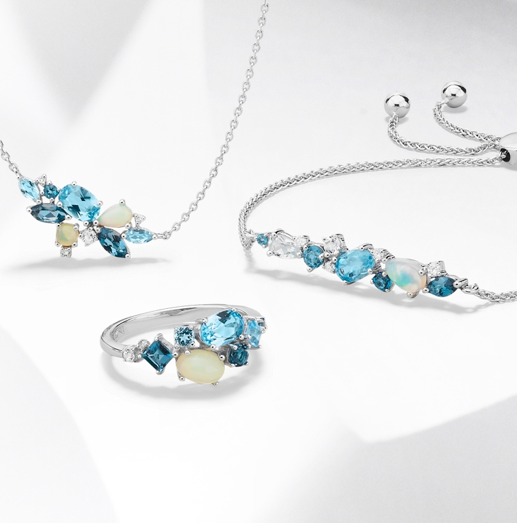 Aquamarine ring and aquamarine bracelet set in white gold. Shop all aquamarine jewelry at Jared.